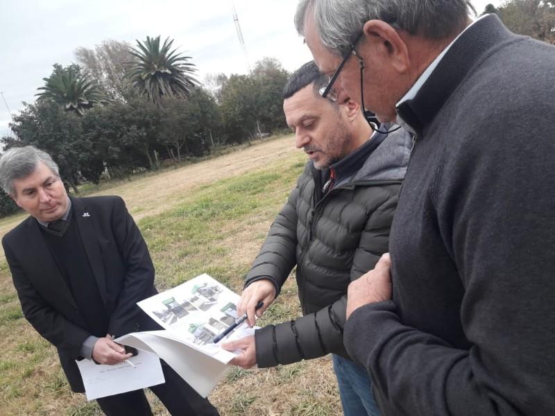Visita de técnicos del Banco de La Pampa para la instalación de cajero automático